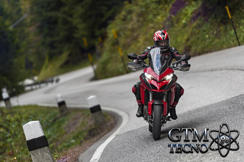 Ducati_Moto_ruta