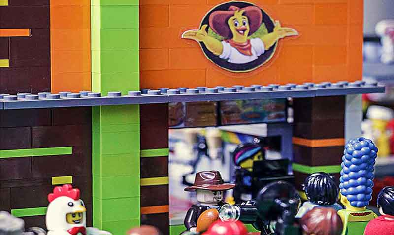 LEGO_Pollo-Campero_home