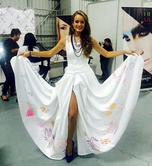 Stephanie-Zelaya_Teleton_vestido