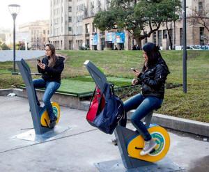 Carga-dispositivo-pedaleando