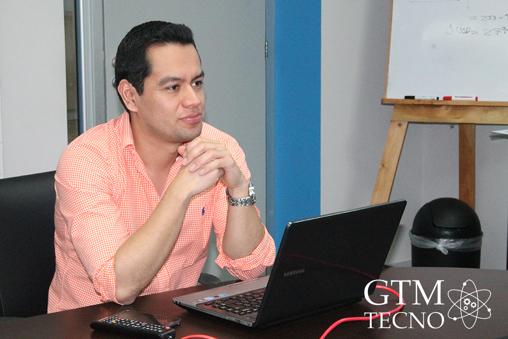 Luis Ernesto Cifuentes (Gerente de Marketing de Samsung Guatemala)