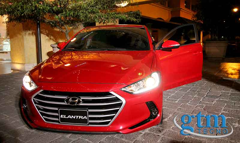 Hyunday-Elantra-2016_Guatemala_home
