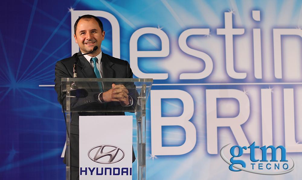 Jose-Enrique-Rubio_Presentacion_Hyunday-Elantra-2016_Guatemala_home