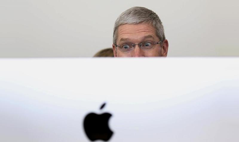 Jimmy Morales hace temblar Apple