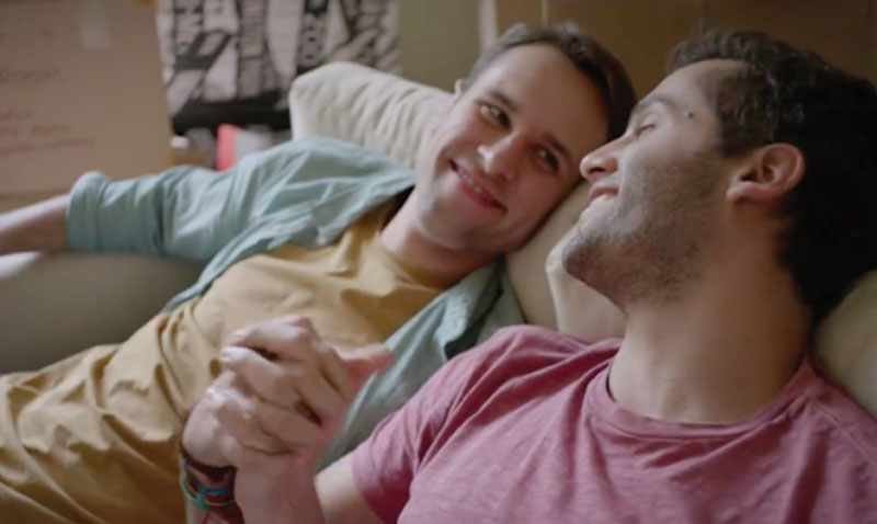 Comercial gay de Colgate