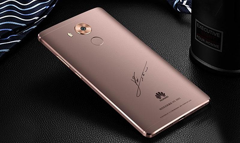 Huawei y Lionel Messi presentan en el país su smartphone Mate 8 premium edición limitada, del cual solo hay 5,000 en todo el mundo.