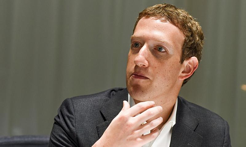 Mark Zuckerberg, Una falla hizo que Facebook declarara muertos a sus usuarios