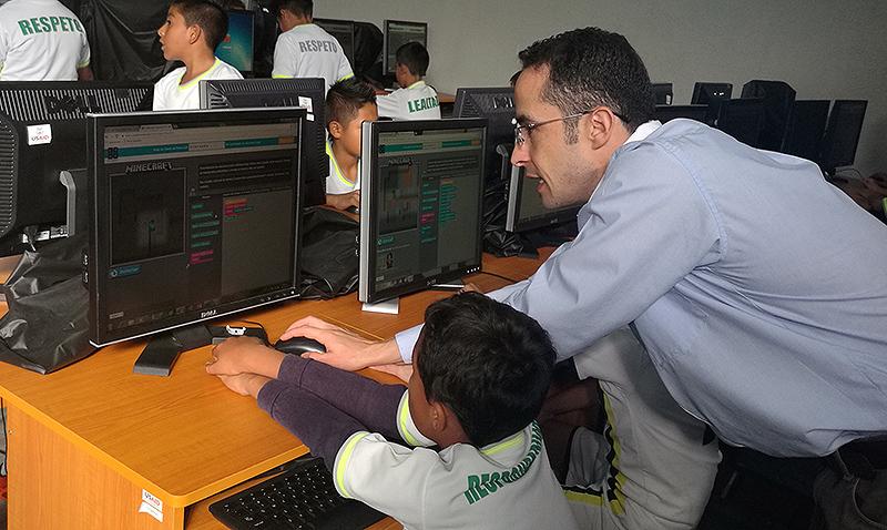 Microsoft promueve la programación en jóvenes guatemaltecos