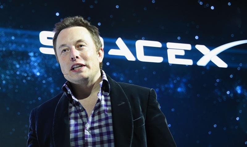 Elon Musk ante el primer lanzamiento exitoso del cohete de Space X