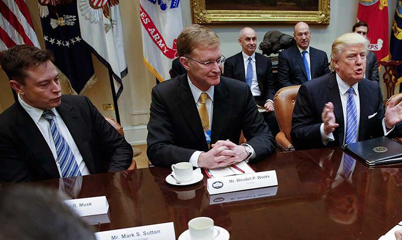 Las principales compañías tecnológicas estadounidenses están contra Donald Trump y su nueva política anti refugiados.