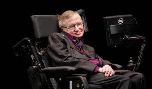 Stephen Hawking cumple 75 años sin dar tregua a una vida de película